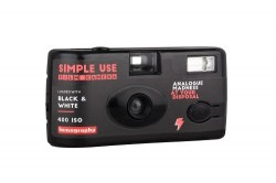 Lomography Simple Use Film Camera_Black_White_quarter right-500-
